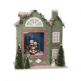Házikó világító,havazó,zenélő elektromos műanyag 28,5 cm x 15 cm x 31cm zöld