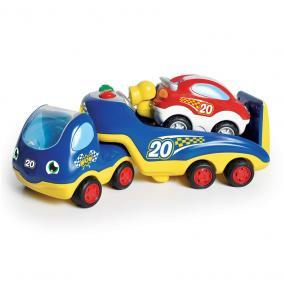 WOW Rocco nagy autóversenye