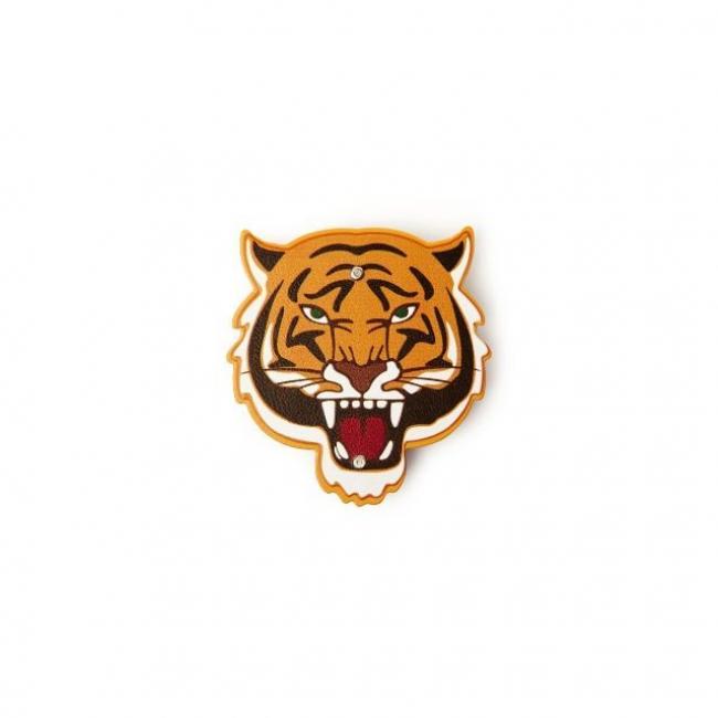 Tigris formájú üvegnyitó
